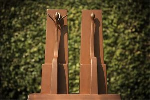 seat, Architecture, garden design, landscape design, Sculptures, Artists Huub & Adelheid Kortekaas, art, spirituality, Tempelhof, design, total work of art, corten-steel, bronze, chair,