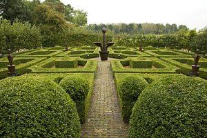Potplant, beeldend kunstenaars Adelheid & Huub Kortekaas, architectuur, Bouwkunst, Knop, kunstfontein, tuinontwerp, tuinarchitectuur, landschapskunst,